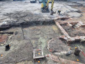 Archeologisch onderzoek op de Markt in Torhout gestart